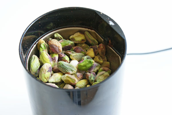 apricot-tart-pistachios