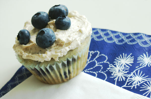 blueberry-cupcakes-final