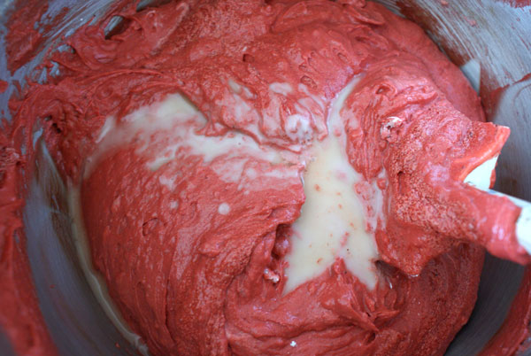 red-velvet-vinegar-to-batter
