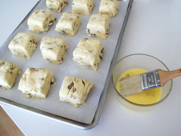 raisin-scones-scones-on-sheet