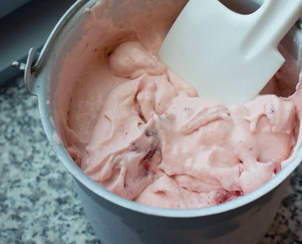 strawberry-ice-cream-churned