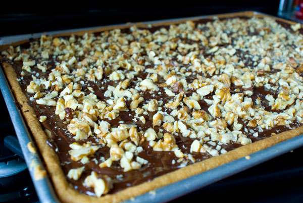 chocolate-toffee-bars-ready-to-chill