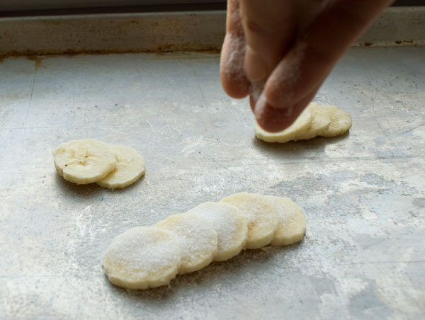 puff-pastry-sliced-bananas