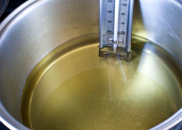 cannoli-heat-oil