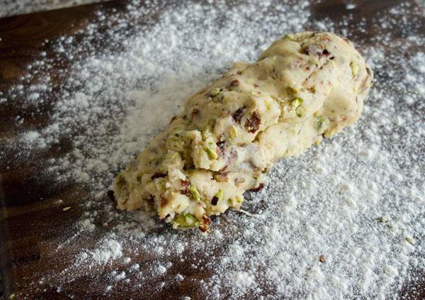 cherry-pistachio-biscotti-roll-1