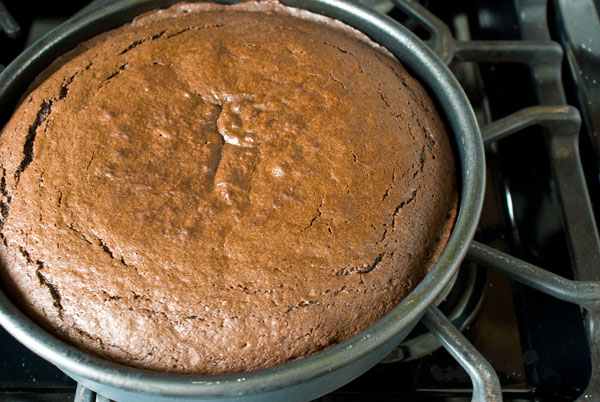 chocolate-cake-baked