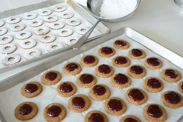 linzer-cookie-pipe-jam