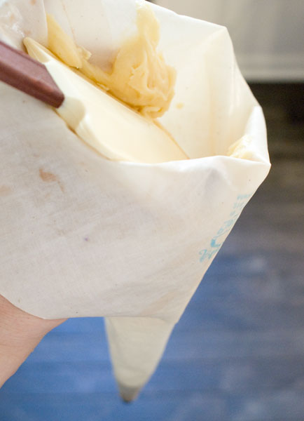 how to clean a pastry bag