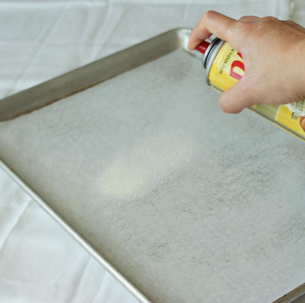 طريقة عمل السويسرول وبالصور sponge-cake-spray-ag