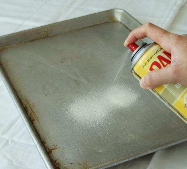طريقة عمل السويسرول وبالصور sponge-cake-spray-pa
